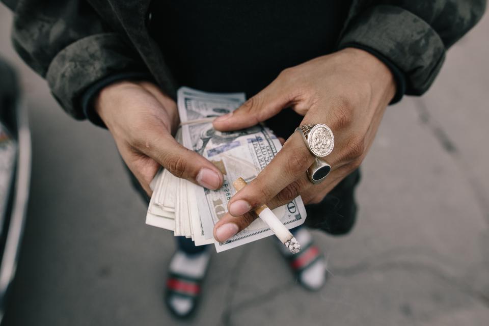 お金をもらってセックス